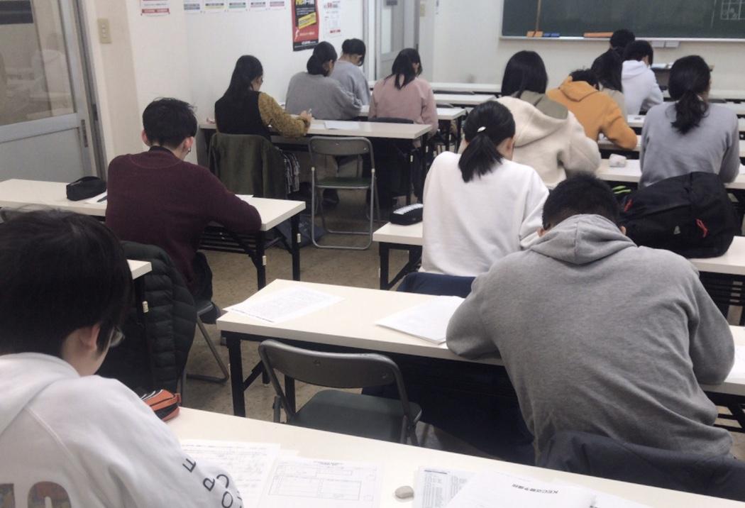 KEC近畿予備校・KEC近畿教育学院_能力診断テスト実施の様子_枚方本校